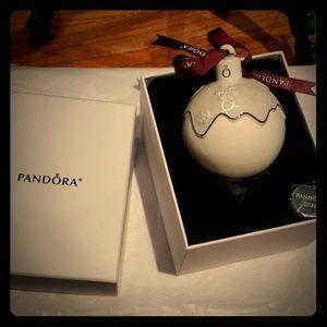 Pandora collectible snowball ornament nib 2018